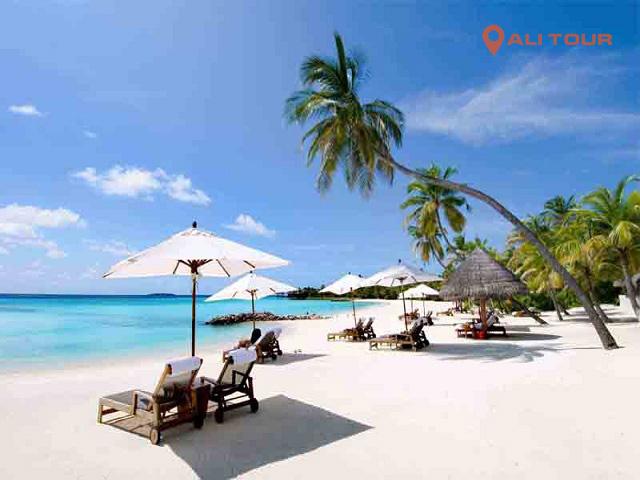 Nha Trang là một trong những điểm du lịch bãi biển đẹp nhất Việt Nam