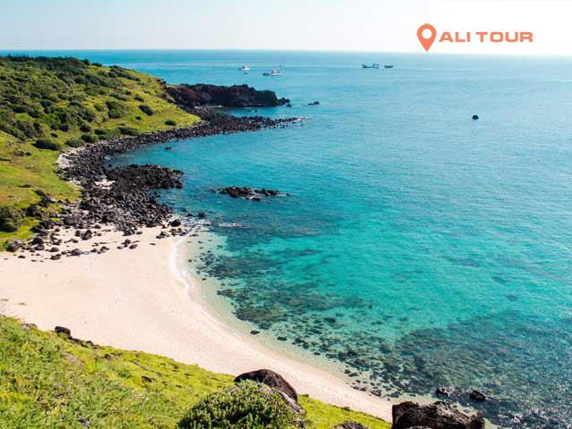 Bãi nhỏ đảo Phú Quý