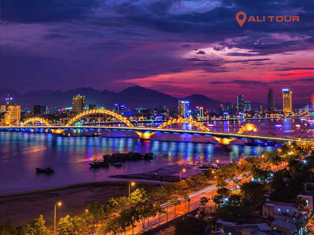 Cầu sông hàn về đêm lung linh