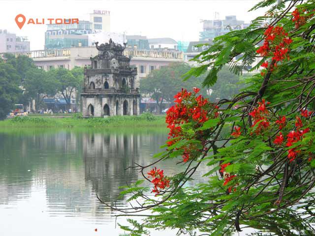 Tham quan Hồ Gươm - Hà Nội