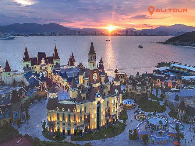 Một góc từ trên cao tại điểm du lịch Vinpearl Land Nha Trang