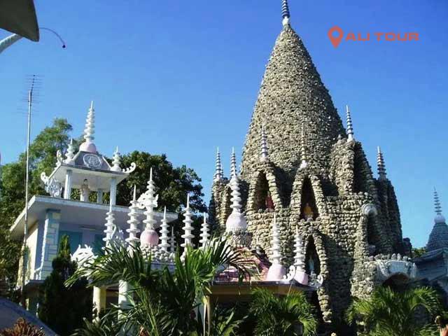 Tham qua chùa Ốc Cam Ranh