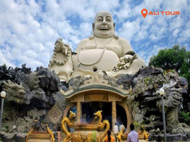 Tham quan Chùa Phật Lớn