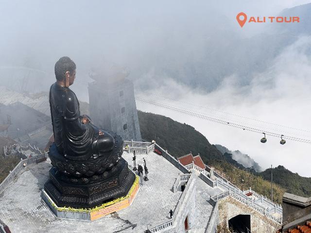 tượng Phật A Di Đà tại đỉ Fansipan
